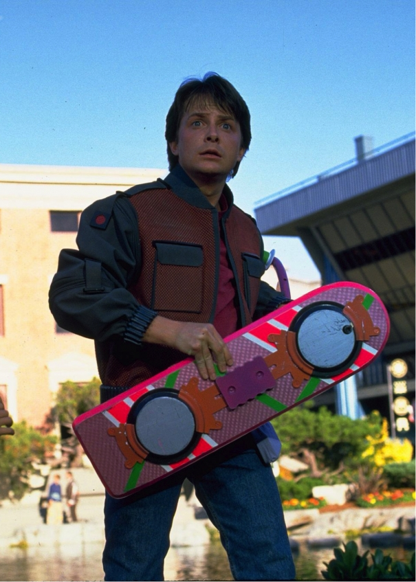 SULLO SKATEBOARD CON MARTY MCFLY